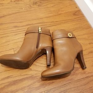 Tory Burch tan leather booties. size 7.